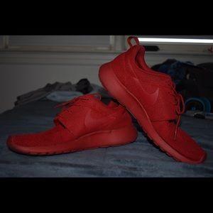 Triple RED Nike Roshe Run Men's 10